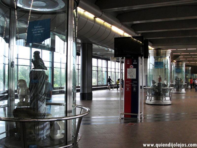 Otras estaciones, algo más modernas, fungen como galerías de arte