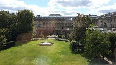 Los jardines son otra muestra del buen gusto de la arquitectura francesa