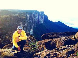 Sobre el punto más alto del Roraima, un amanecer que nunca olvidaré (Foto: Johan Ramírez)