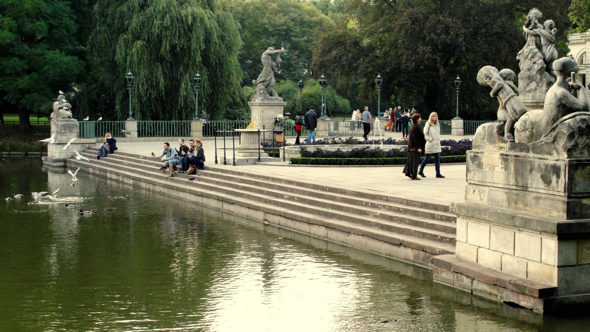 Jardines y estanque del Lazienki Królewskie. JOHAN RAMÍREZ