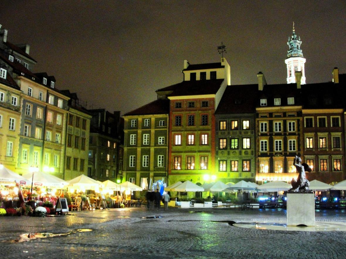 Plaza del Mercado en la noche. JOHAN RAMÍREZ